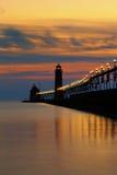 盛大避风港码头在晚上 免版税图库摄影