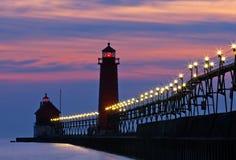 盛大避风港码头在晚上 免版税库存图片