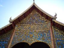 盛大霍尔Wat Chedi Luang山墙在清迈 免版税图库摄影