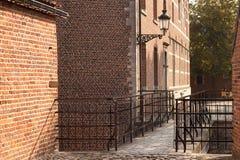 盛大Beguinage的老历史的房子在鲁汶 比利时 富兰德 库存图片