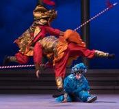 """盛大ecart -第六行动水溢出金黄小山Kunqu Opera""""Madame白色Snake† 免版税库存图片"""