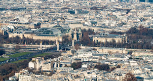 盛大Palais和小的Palais的天线在巴黎 免版税库存照片