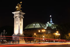 盛大palais在夜之前-巴黎 库存照片