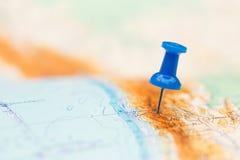 目的地玻璃扩大化的映射旅行 免版税图库摄影