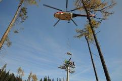 直升机挂接 库存照片