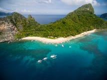 直升机海岛和海滩在El Nido,巴拉望岛,菲律宾 游览C路线和观光的地方 免版税库存图片