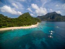 直升机海岛和海滩在El Nido,巴拉望岛,菲律宾 游览C路线和观光的地方 免版税图库摄影