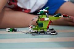 直升机玩具块 由使用的砖做 免版税图库摄影