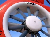 直升机电动子尾标 免版税库存照片
