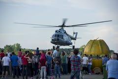 直升机Mi - 8在克罗地亚空展示的起飞 免版税库存图片