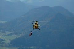 直升飞机营救 免版税库存图片