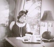 相似的发现有Comp救球LightboxRetro妇女20世纪20年代- 19 免版税库存图片