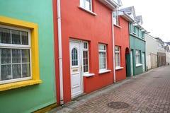 相当五颜六色的大厦,爱尔兰 免版税库存图片