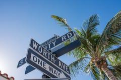 相当大道价值在豪华棕榈滩,佛罗里达 免版税图库摄影