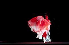 相当有戏剧性服装的中国传统歌剧女演员 免版税图库摄影