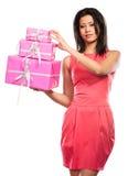 相当有箱子礼物的混合的族种女孩 圣诞节 免版税图库摄影