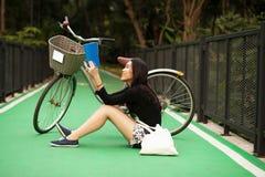 相当泰国的女孩 免版税图库摄影