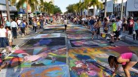 相当街道绘画节日价值的湖 免版税库存照片
