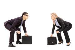 相扑姿态的两个商业竞争者为战斗做准备 免版税图库摄影