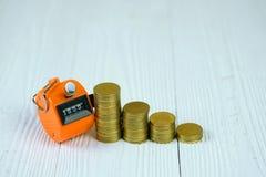 相符逆或计数有0000的数字,步机器硬币 库存照片