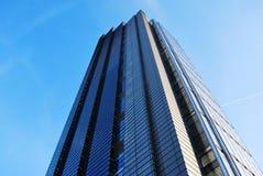 看一个摩天大楼在伦敦 免版税库存图片