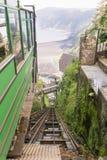 看下来从Lynton和Lynmouth峭壁的顶端铁路 库存照片