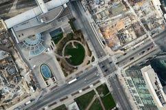 看下来从cn塔:高速公路 免版税库存图片