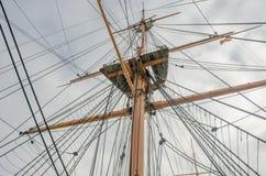看与索具的帆柱 免版税库存图片