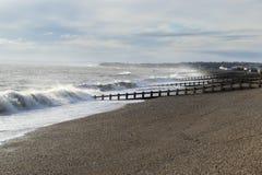 看向西对在海的Bexhill的海滨人行道的圣Leonards 库存图片