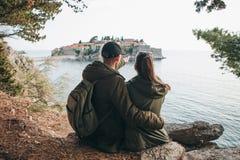 看圣斯特凡岛的夫妇 免版税库存照片