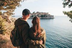 看圣斯特凡岛的夫妇 免版税库存图片