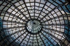 看在一个大厦里面的一个圆顶在费城, Pennsylv 库存照片