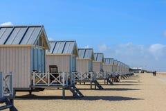 看在海的海滩小屋 免版税库存图片