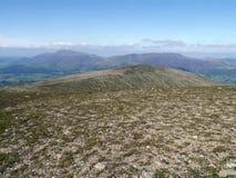 看对有后边Skiddaw和Blencathra的深谷头 库存图片
