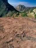 看对从失去的矿足迹的Chisos盆地,大弯曲国家公园,得克萨斯 免版税库存照片