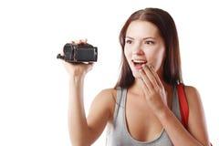 看摄影机的妇女 免版税库存图片