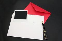 看板卡信包问候红色 库存图片