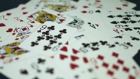 看板卡冲洗打皇家的扑克 影视素材