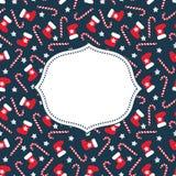 看板卡快活的xmas 与xmas长袜、星和棒棒糖的无缝的圣诞节样式 免版税库存图片