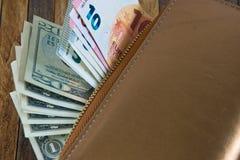 看板卡赊帐货币开放钱包 免版税库存照片