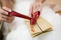 看板卡过帐婚礼 免版税图库摄影