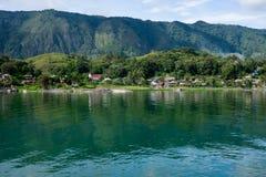 看法到沙摩西岛海岛,多巴湖,印度尼西亚 库存照片