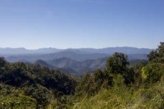 看法到Samoeng森林里 免版税图库摄影