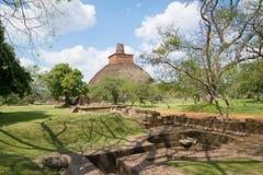 看法古老Dagoba Anuradhapura,斯里南卡 免版税库存照片