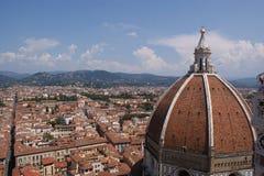 看法向佛罗伦萨,意大利 免版税库存照片
