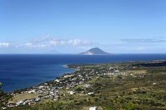 看法向圣基茨岛、Saba和圣尤斯特歇斯 免版税库存图片