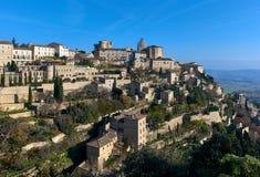 看法向戈尔代,是一个美丽的小山顶村庄在法国 免版税库存图片