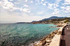看法向法国海滨的,彻特d ` Azur,法国芒通 库存照片