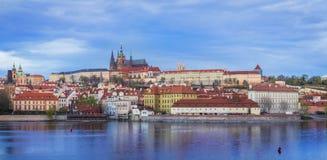 看法向街市的布拉格 免版税图库摄影