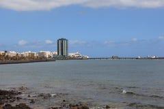 看法向阿雷西费,兰萨罗特岛的首都 免版税库存照片